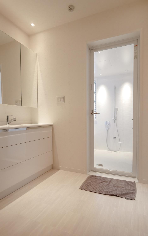 洗面所デザインリフォーム 造作収納 ホワイト
