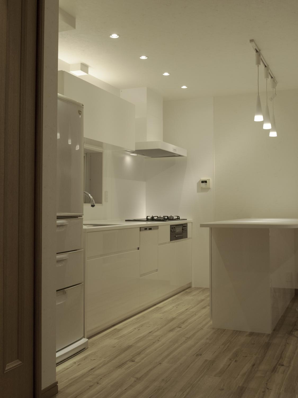 白いキッチン オーダーキッチンリフォーム 北欧 神戸