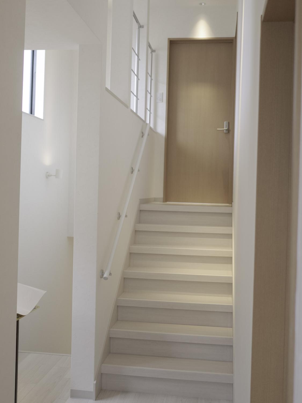 階段廊下リフォーム ホワイトモダン 大阪