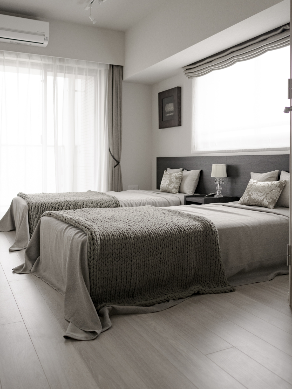 主寝室インテリアコーディネート シンプルモダン寝室