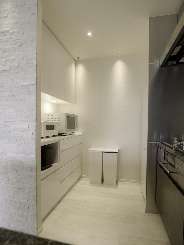 キッチンオーダ家具 収納造作家具 食器棚 間接照明 神戸