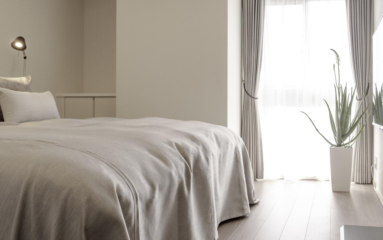 マンション主寝室シンプルモダンインテリアコーディネート神戸