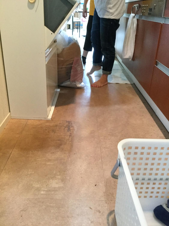 キッチン床の上張りリフォーム