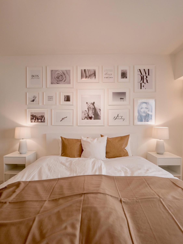 壁面一杯のモノクロ写真アート 主寝室