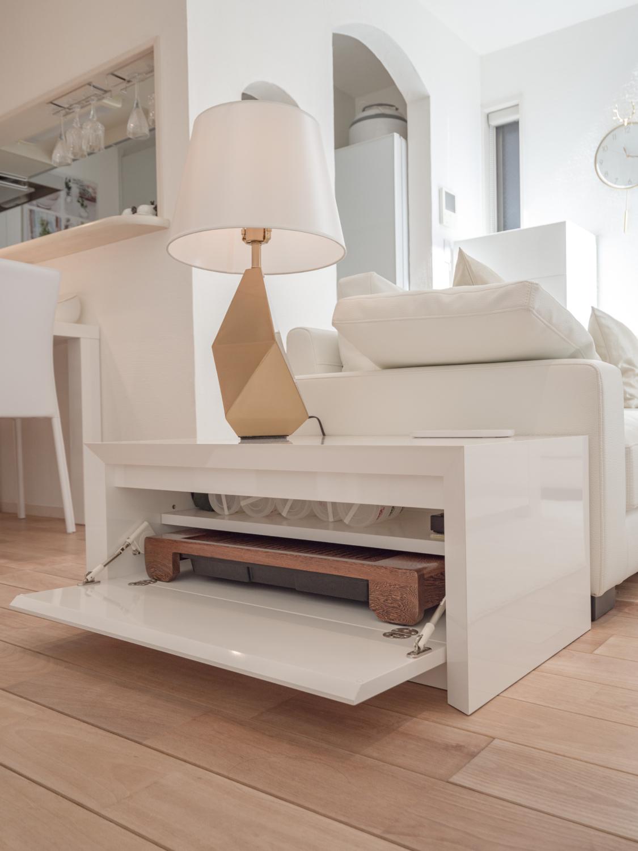 リビングオーダー家具 サイドテーブル コー匕ーテーブルホワイト 収納家具 コンセント内蔵 神戸大阪